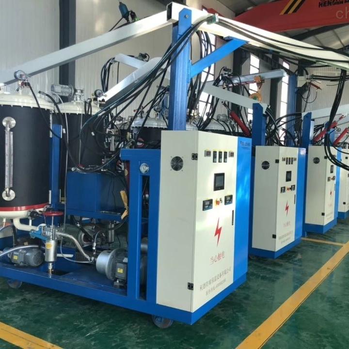外蒙聚氨酯高压发泡机设备出口要求