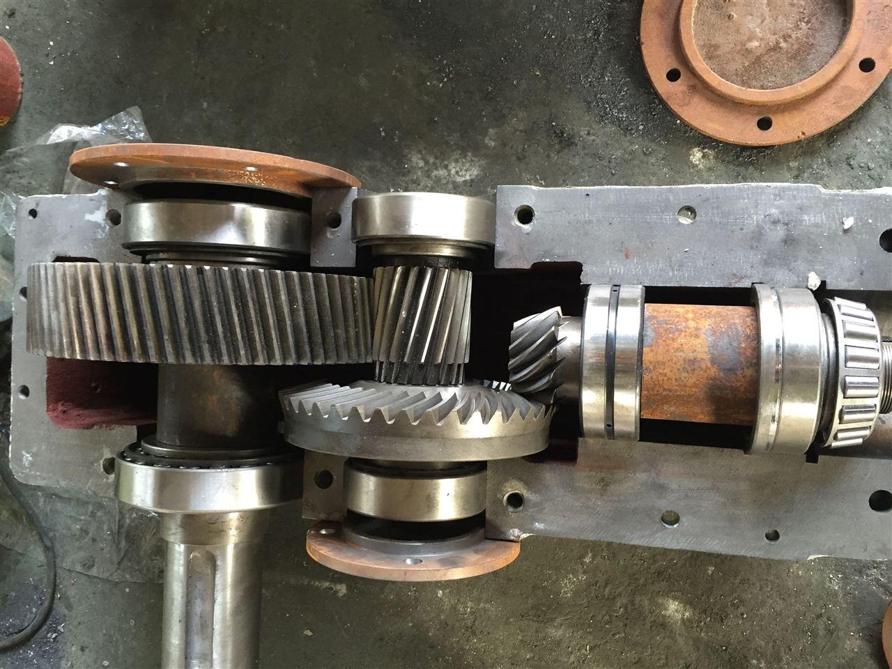 供应:DBYK355-14-1圆锥齿轮减速机