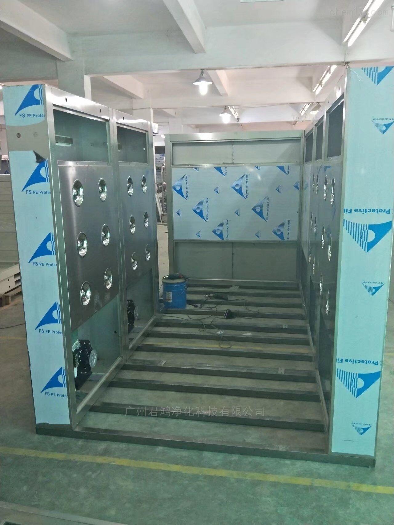 广州开发区君鸿净化设备快速卷帘门货淋室