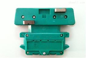 多极滑触线出口集电器