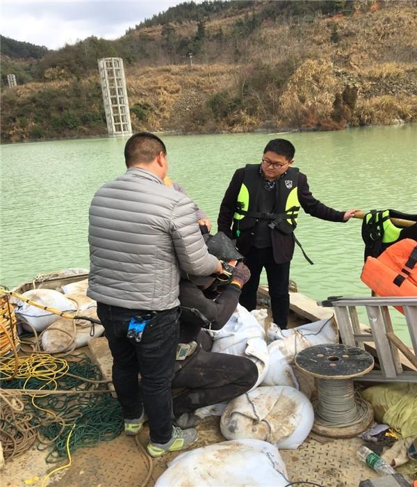 徐州市水下堵漏公司[潜水作业]