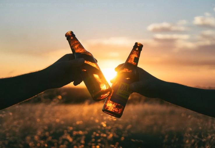 春节将至:喝酒不开车 开车不喝酒