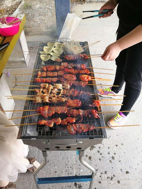 上海伊里德自动化有限公司举行烧烤活动