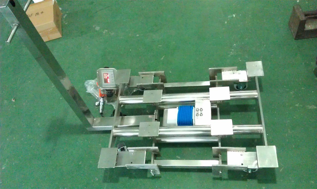 <strong>300kg带聚氨酯橡胶轮子移动式电子台秤</strong>